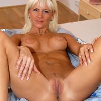 Rijpe blonde babe naaien